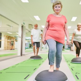 6 Ways to Prevent Falls In Physical Therapy